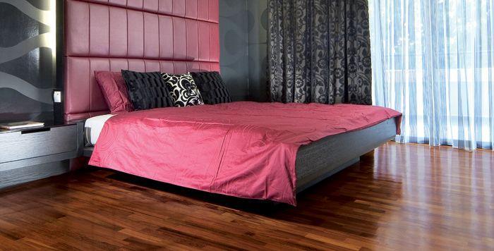 Engineered click hardwood flooring