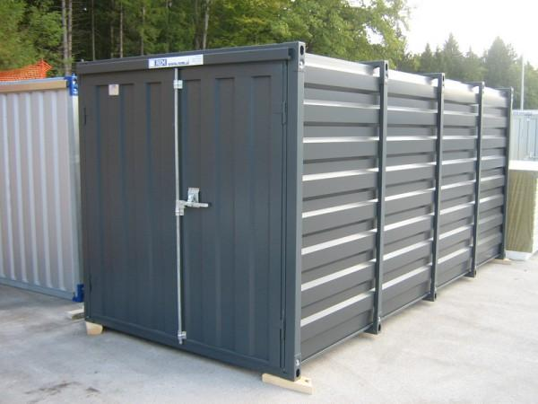 Living storage containers