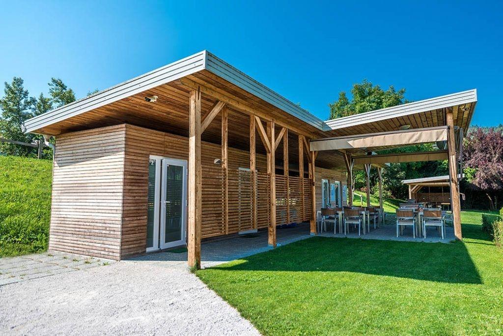 Modular living building