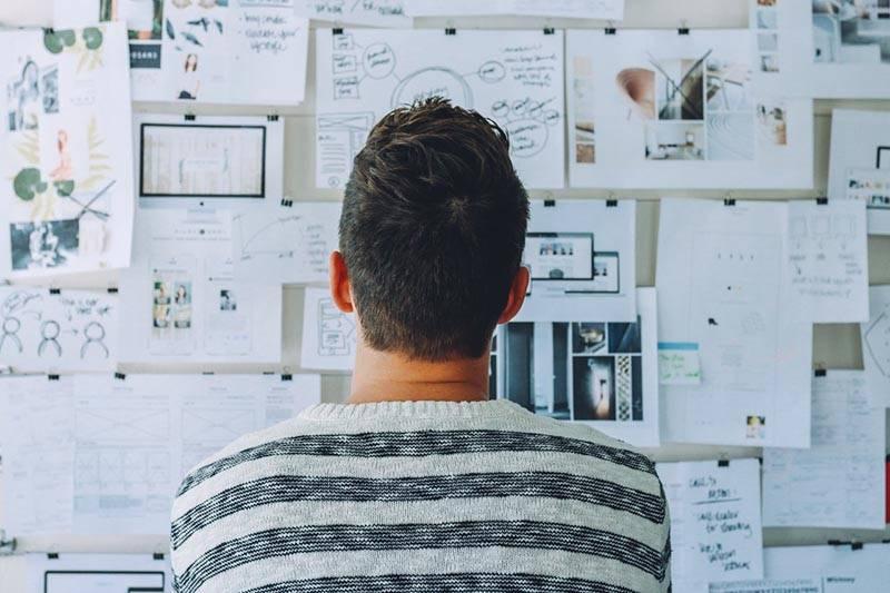 digital startup incubator vs. digital startup accelerator