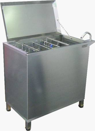 tool sterilizer for axes and saws